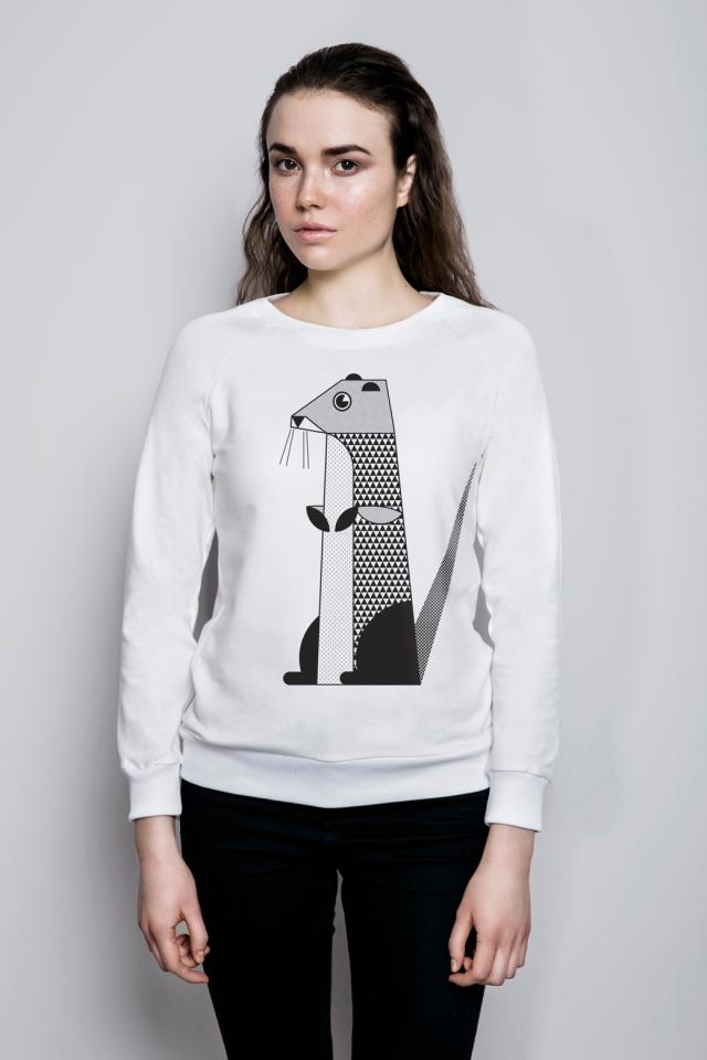 s WISŁAKI_bluza biała reglan modelka wydra